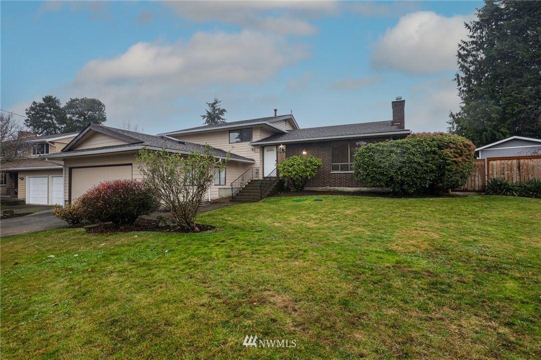 Photo of 12146 SE 44th Place, Bellevue, WA 98006 (MLS # 1696290)