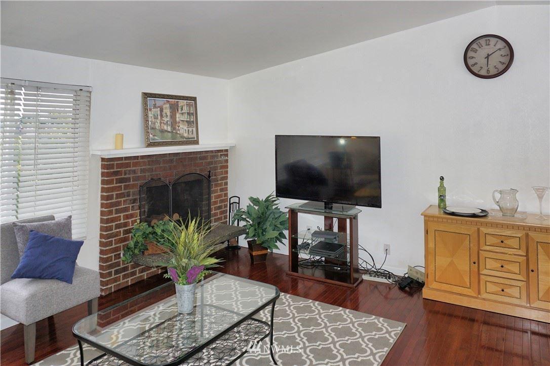 Photo of 11310 SE 218th Place, Kent, WA 98031 (MLS # 1790290)