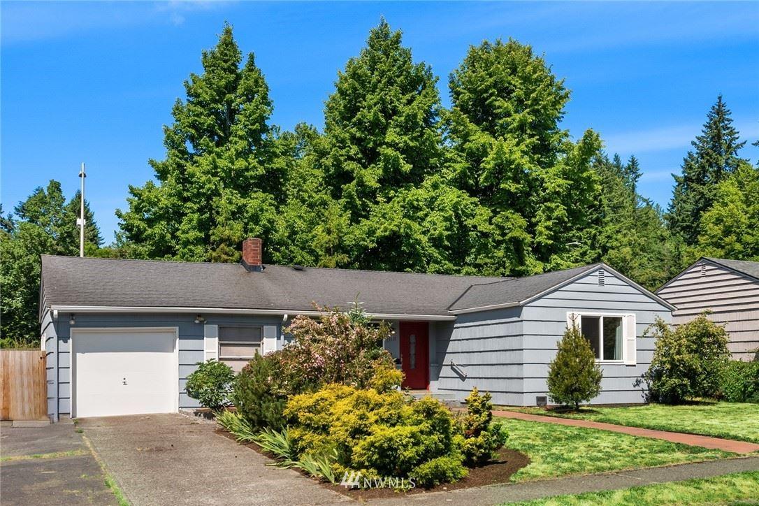 Photo of 13511 15th Place NE, Seattle, WA 98125 (MLS # 1794294)