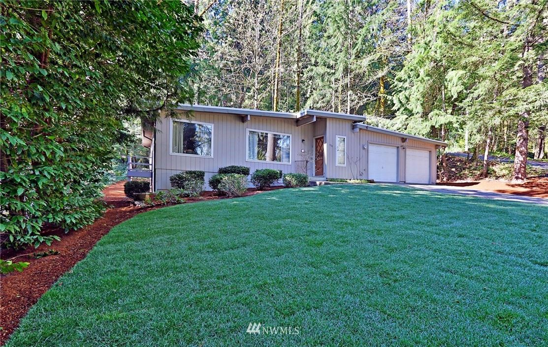 Photo of 490 SW Forest Drive, Issaquah, WA 98027 (MLS # 1765295)