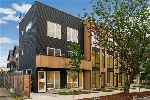 Photo of 102 F 25th Ave, Seattle, WA 98122 (MLS # 1625297)