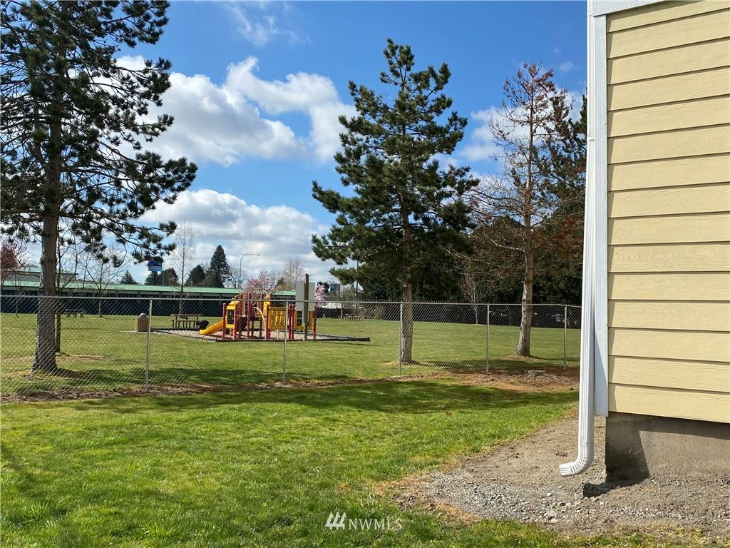 Photo of 207 N NORRIS Street, Burlington, WA 98233 (MLS # 1750297)
