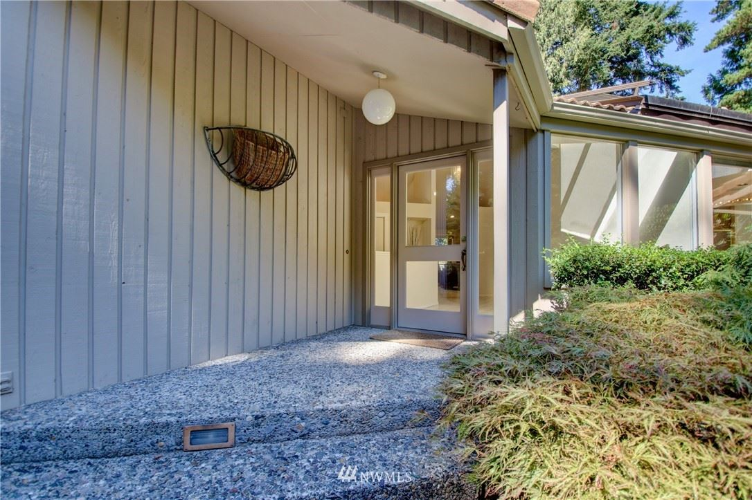 Photo of 17436 Olympic Place, Mount Vernon, WA 98274 (MLS # 1824298)