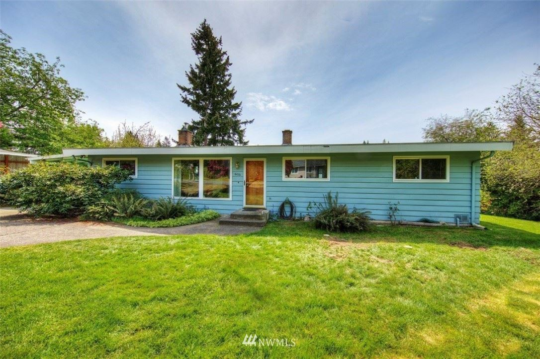 Photo of 605 S 204th Street, Des Moines, WA 98198 (MLS # 1764299)