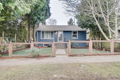 Photo of 8415 40th Avenue SW, Seattle, WA 98136 (MLS # 1721300)