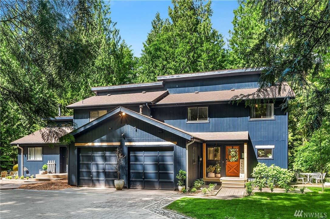 Photo of 14235 248th Place SE, Issaquah, WA 98027 (MLS # 1610301)