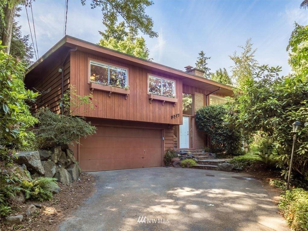 Photo of 9517 17th Avenue NE, Seattle, WA 98115 (MLS # 1795302)