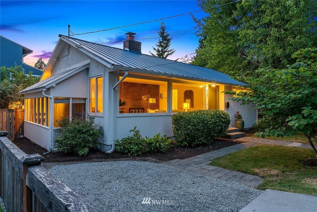Photo of 5307 30th Avenue NE, Seattle, WA 98105 (MLS # 1777303)