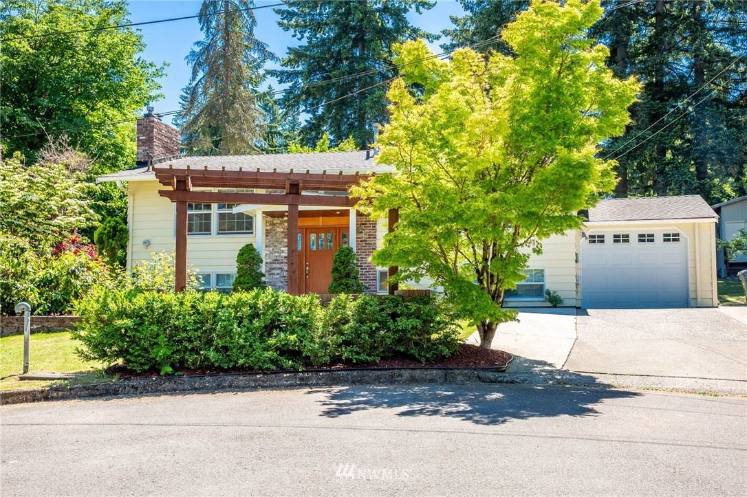 Photo of 1217 150th Place SE, Bellevue, WA 98007 (MLS # 1784303)