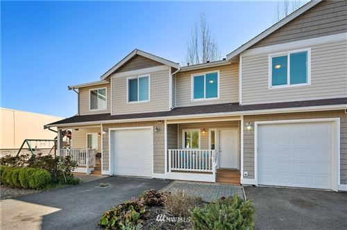 Photo of 1052 SW 130th Street, Burien, WA 98146 (MLS # 1759304)