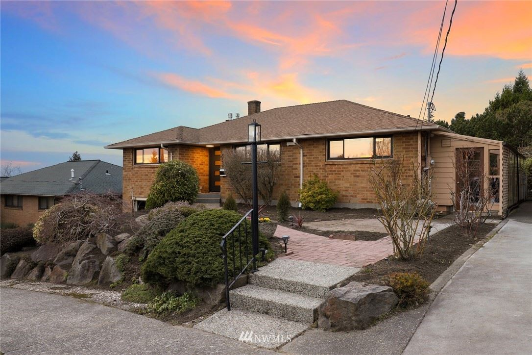 Photo of 4058 SW Donovan Street, Seattle, WA 98136 (MLS # 1731311)