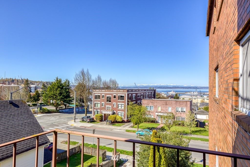 Photo of 2619 Rucker Avenue #9, Everett, WA 98201 (MLS # 1757313)