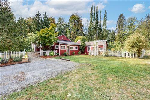 Photo of 21260 Lake Sixteen Road, Mount Vernon, WA 98274 (MLS # 1840320)