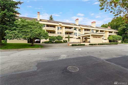 Photo of 401 100th Ave NE #310, Bellevue, WA 98004 (MLS # 1627321)
