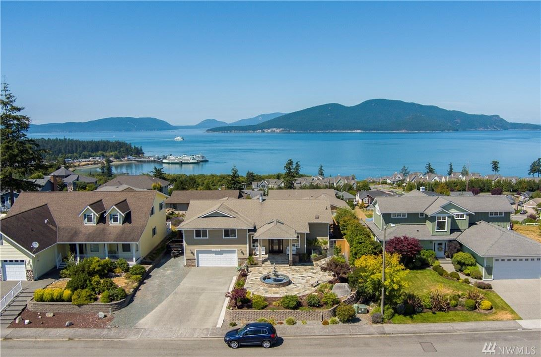 Photo of 4508 Guemes View, Anacortes, WA 98221 (MLS # 1640328)