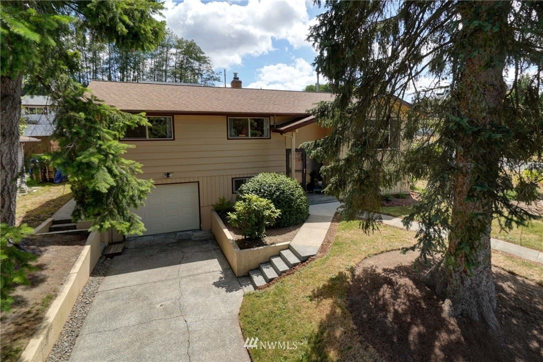 Photo of 2473 Gillette Drive SE, Port Orchard, WA 98366 (MLS # 1645328)