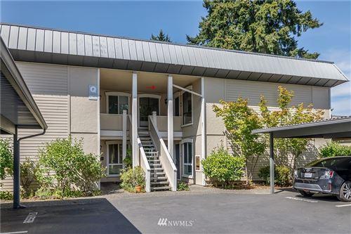 Photo of 10218 NE 16th Street #Q4, Bellevue, WA 98004 (MLS # 1814329)