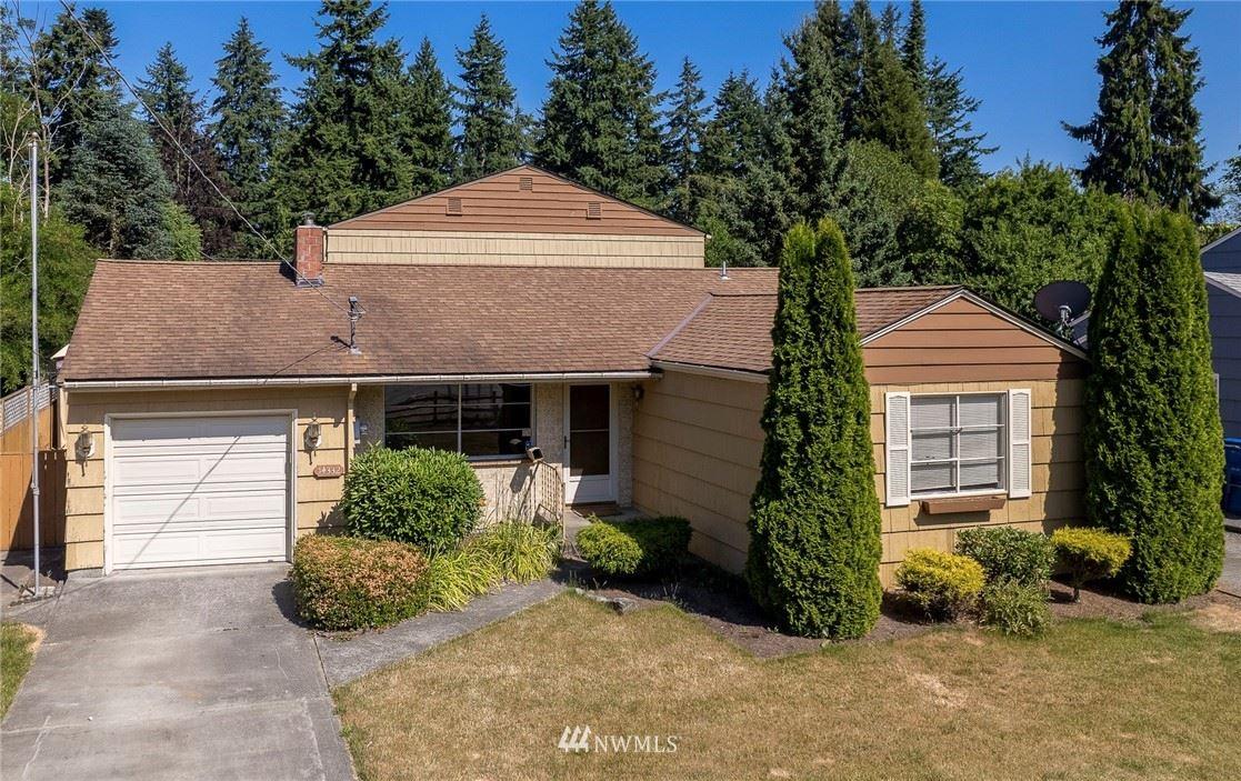 14332 Meridian Avenue N, Seattle, WA 98133 - #: 1807337