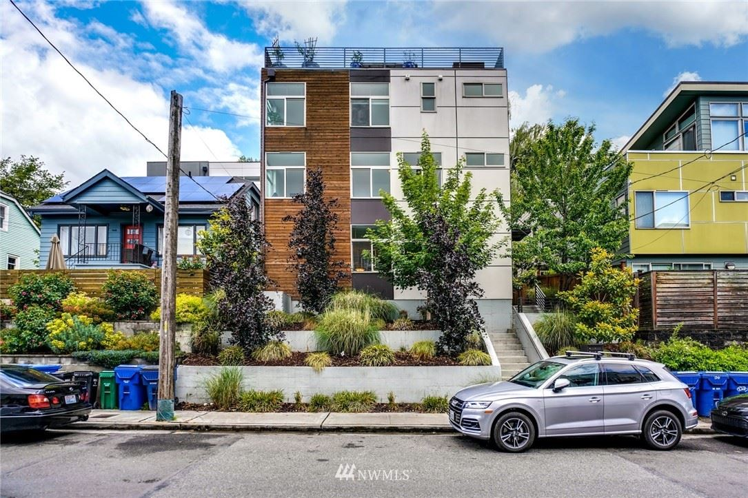 Photo of 942 Hiawatha Place S, Seattle, WA 98144 (MLS # 1786342)