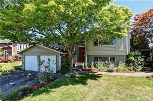 Photo of 9024 NE 138th Place, Kirkland, WA 98034 (MLS # 1620344)