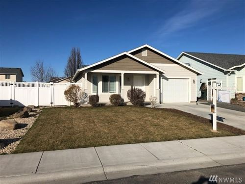 Photo of 821 Rocky Ave, Quincy, WA 98848 (MLS # 1556346)
