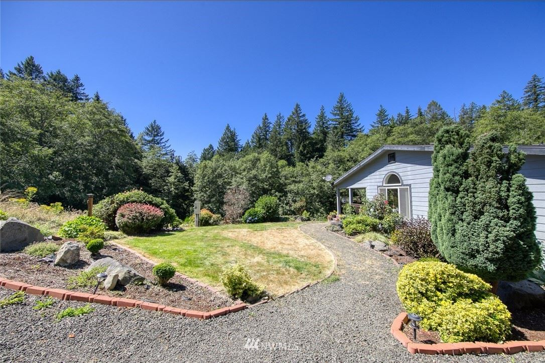 Photo of 7752 Anderson Hill Road, Silverdale, WA 98383 (MLS # 1685346)