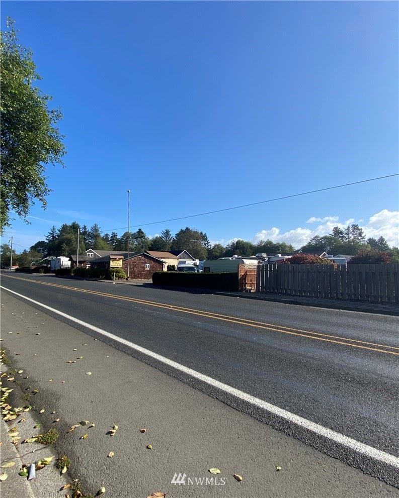 Photo of 1710 Pacific Avenue N, Long Beach, WA 98631 (MLS # 1840346)