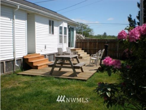 Photo of 0 Discovery View Ct, Ilwaco, WA 98624 (MLS # 1495349)