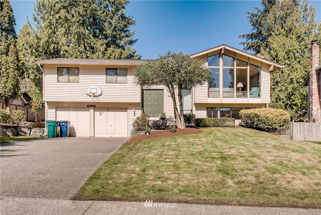 Photo of 4451 189th Place SE, Issaquah, WA 98027 (MLS # 1748351)