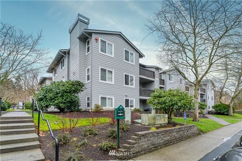 Photo of 6700 NE 182nd Street #B101, Kenmore, WA 98028 (MLS # 1719355)