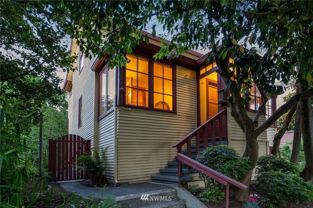 Photo of 318 29th Avenue E, Seattle, WA 98112 (MLS # 1791355)