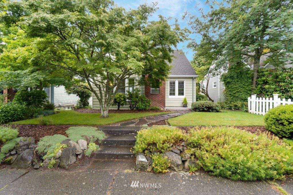 Photo of 5918 34th Avenue SW, Seattle, WA 98126 (MLS # 1787356)