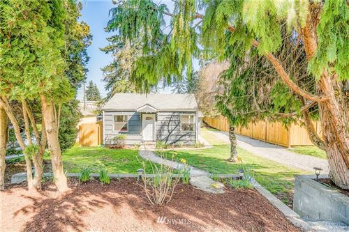 Photo of 10808 1st Ave SW, Seattle, WA 98146 (MLS # 1754357)