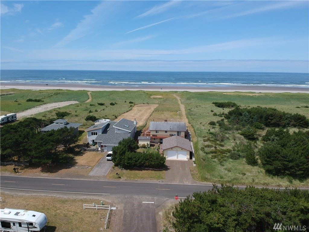 Photo of 707 318th Place, Ocean Park, WA 98640 (MLS # 1627357)