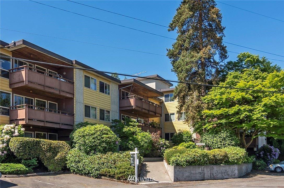 Photo of 13433 Roosevelt Way N #206, Seattle, WA 98133 (MLS # 1783357)