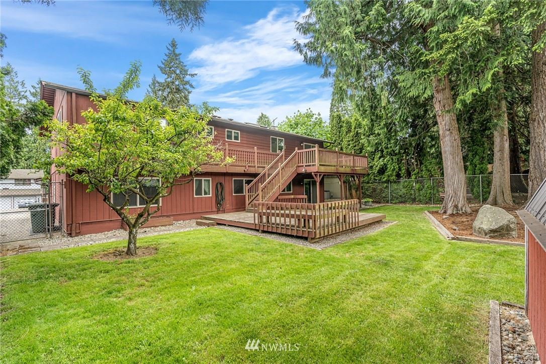 Photo of 9622 NE 204th Place, Bothell, WA 98011 (MLS # 1776360)