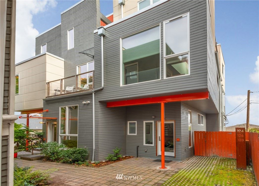 Photo of 126 18th Avenue E, Seattle, WA 98112 (MLS # 1682361)