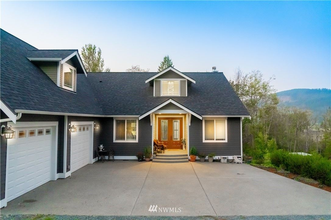 Photo of 23019 Pringle Street, Clear Lake, WA 98235 (MLS # 1691363)