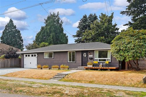Photo of 6701 12th Avenue SW, Seattle, WA 98106 (MLS # 1662364)