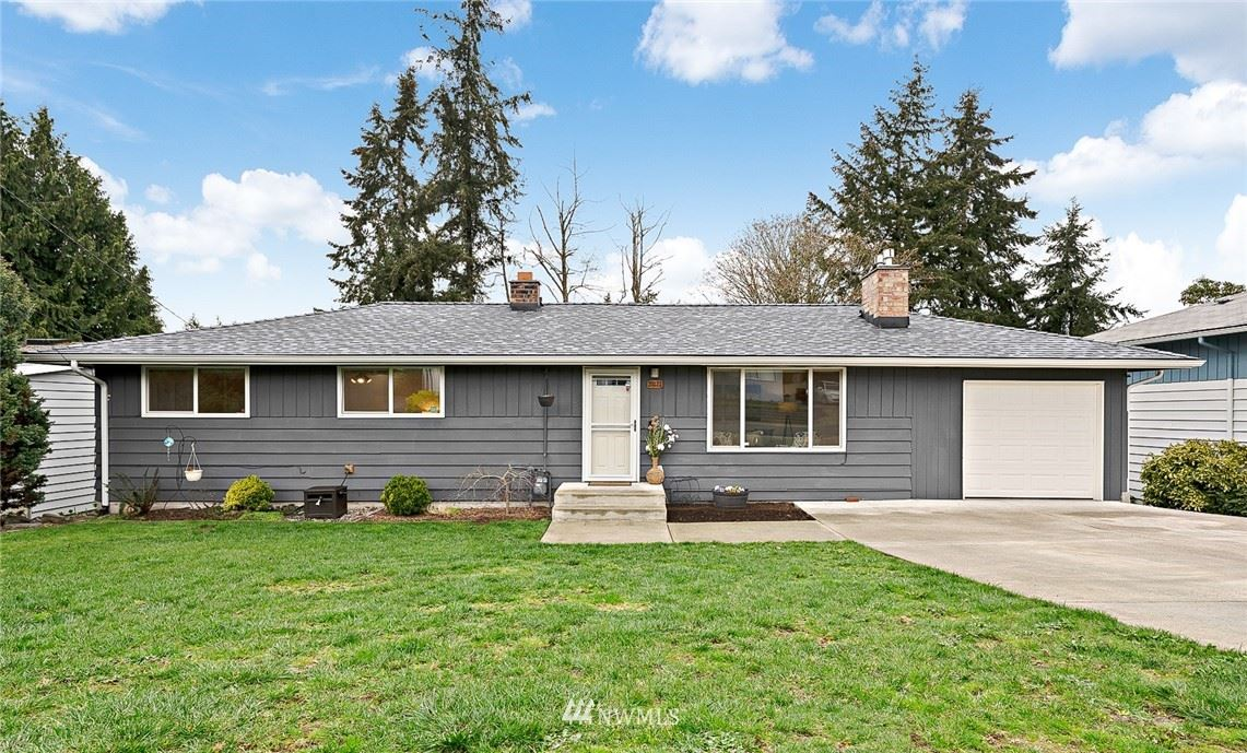Photo of 20121 2nd Ave S, Des Moines, WA 98198 (MLS # 1755367)