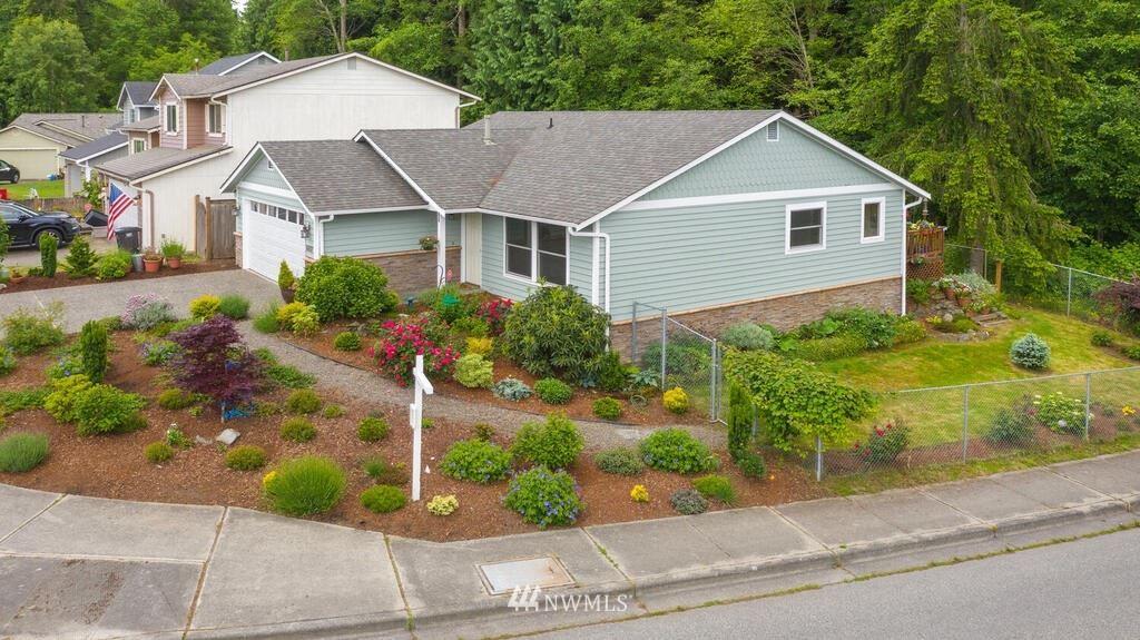 Photo of 6002 4th Drive W, Everett, WA 98203 (MLS # 1782367)