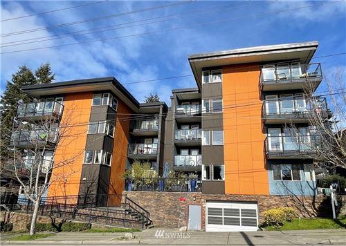Photo of 120 39th Street #402, Seattle, WA 98107 (MLS # 1732370)