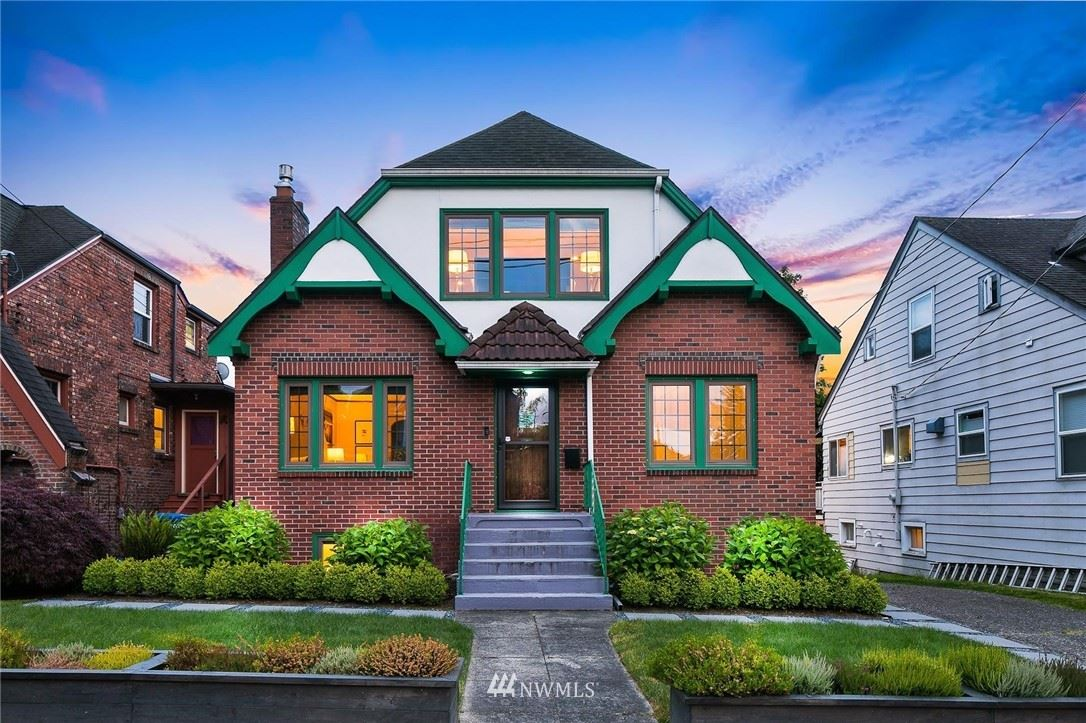 Photo of 901 NE 70th Street, Seattle, WA 98115 (MLS # 1775370)