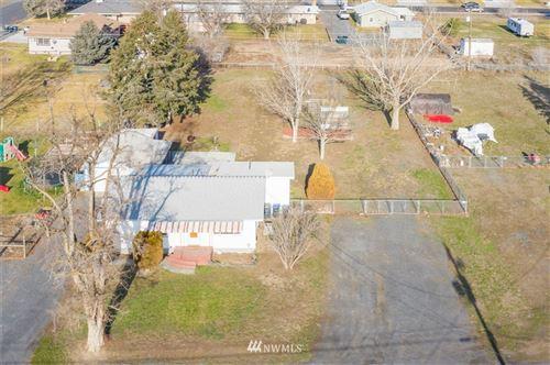 Photo of 1222 Concord, Moses Lake, WA 98837 (MLS # 1720373)