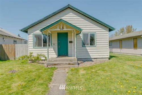 Photo of 279 26th Avenue, Longview, WA 98632 (MLS # 1759373)