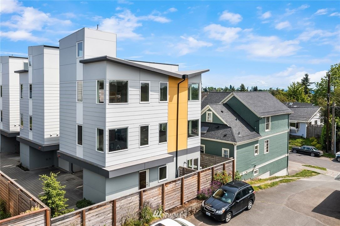 Photo of 821 24th Avenue S, Seattle, WA 98144 (MLS # 1782373)