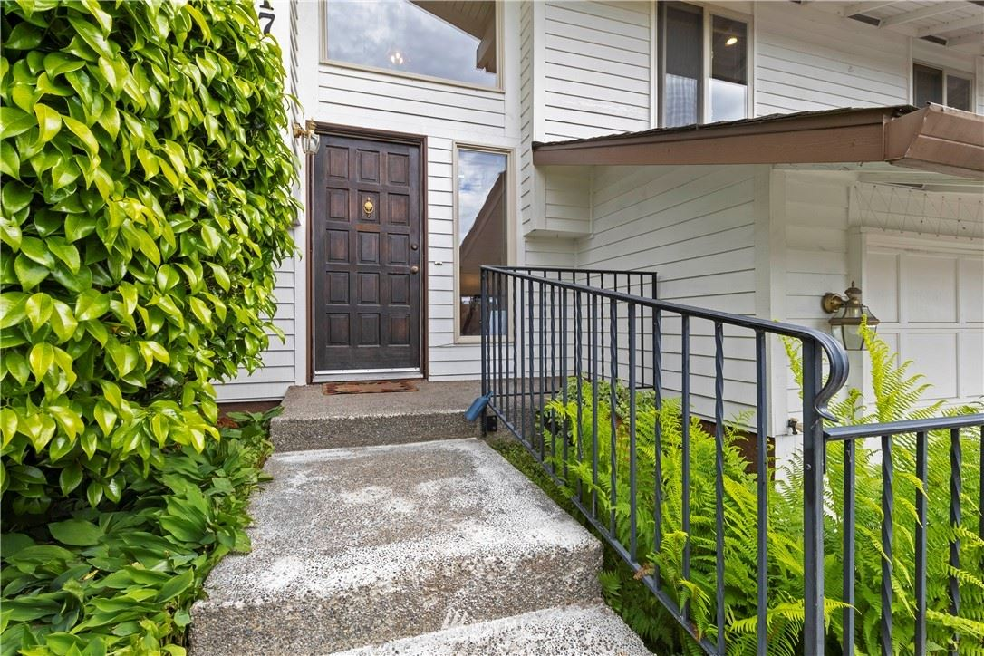 Photo of 4017 SW 329TH Place, Federal Way, WA 98023 (MLS # 1783373)