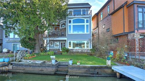 Photo of 3605 Lake Washington Boulevard N, Renton, WA 98056 (MLS # 1681376)