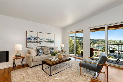Photo of 3905 4th Avenue NE #401, Seattle, WA 98105 (MLS # 1803378)
