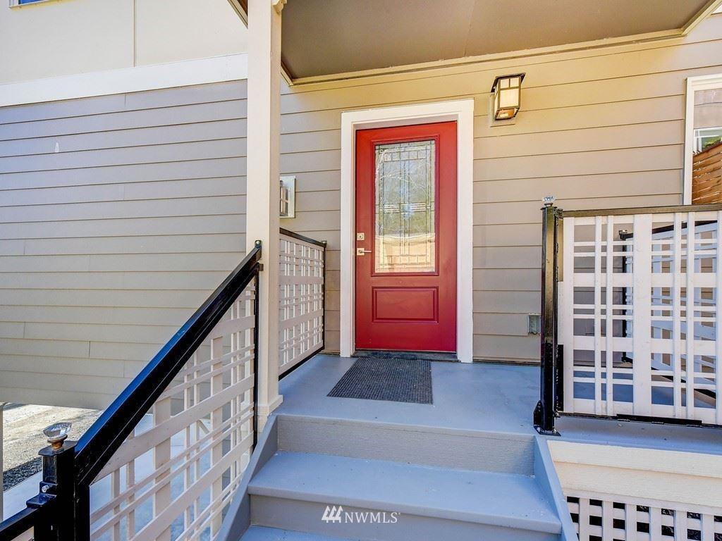 Photo of 9842 Arrowsmith Avenue S, Seattle, WA 98118 (MLS # 1788379)